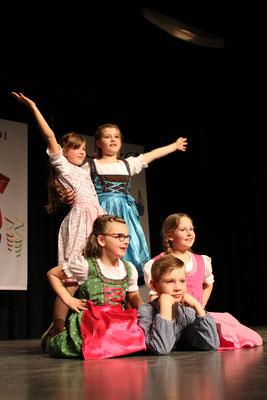 """Die """"NZO Kids"""" in diesem Jahr in bayrischem Outfit"""