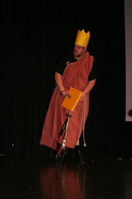 Herbert Meyer (alias Florian Balzer) fährt auf die Bühne