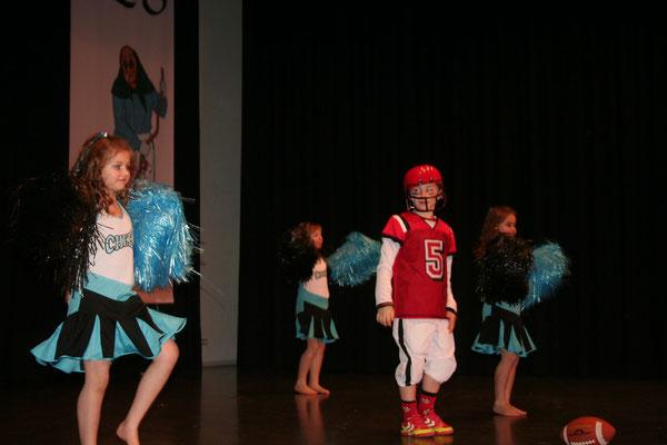 Die NZO Kids bringen den amerikanischen College-Flair auf die Bühne