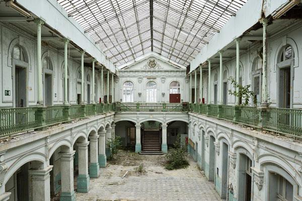 Lycée V.