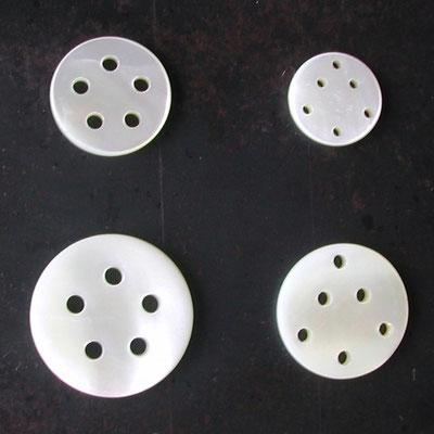 貝ボタン5穴と6穴