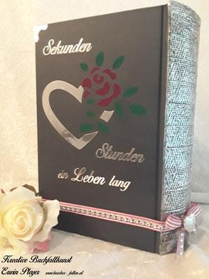 Foliencover in silbernen Look, mit Herz und wunderbarer Rose