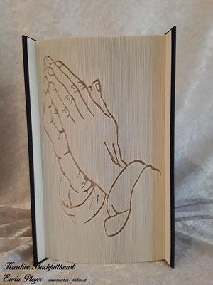 Betende Hände können zur Taufe, Kommunion oder Firmung verschenkt werden. Ein tolles gefaltetes Buch.