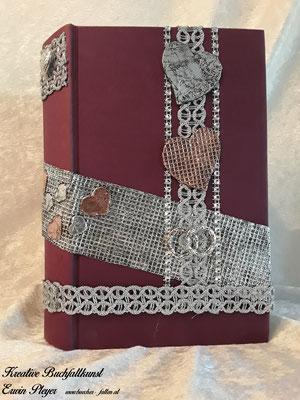 Alucover mit Kupfercover kombiniert. Dies war ein spezielles Cover für ein Brautpaar, das sich durch ihre Fliegerei kennen und lieben gelernt hat.