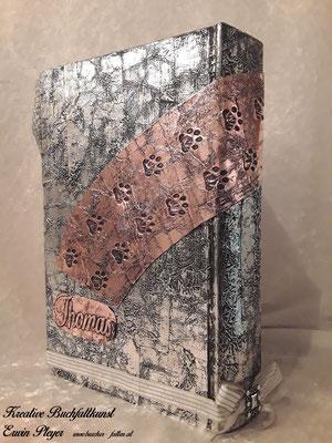 Alucover mit Kupfercover kombiniert. Dies war ein spezielles Cover für ein Brautpaar, das sich durch ihre Hunde kennen und lieben gelernt hat.