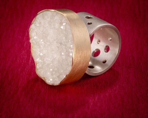 Ring von Urte Hauck, Bergkristall 750/- Gelbgold 925/- Silber                              VERKAUFT