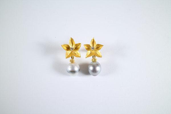 Ohrschmuck, 900 Gold, Tahitiperle, Brillanten von Traudl Kammermeier