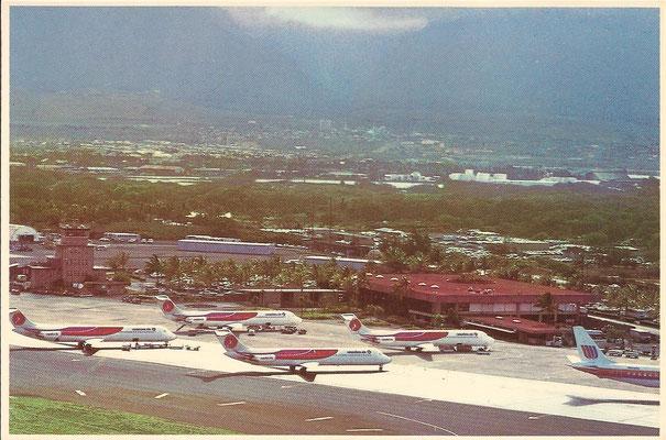 Vier DC-9 von Hawaiian und eine DC-8 von United Airlines/Postkarte