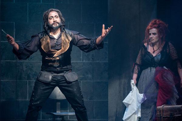 "Vikrant Subramanian ""Sweeney Todd"" in SWEENEY TODD - Foto: Tom Schulze"
