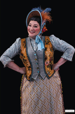 Alex Avenell in MARY POPPINS 2019 © Alex Avenell
