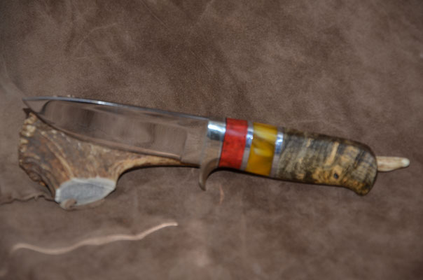 """#106 Blade 4 1/2""""  Overall 9""""  Drop Point blade 440c blade.  Handle stabilized birdseye maple, red coral and amber spacers.   Maker -RD Nolen  $350"""