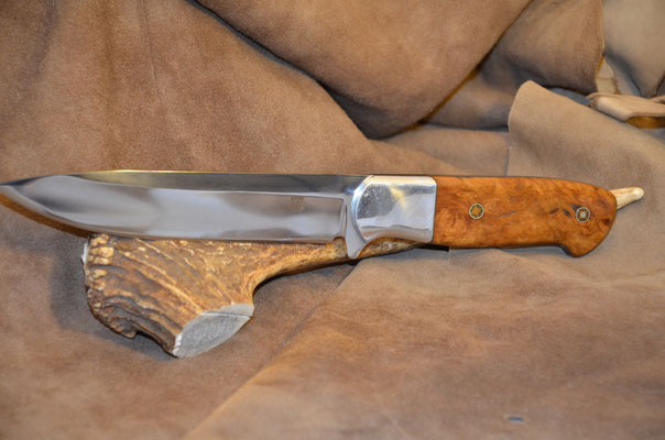 """#157 Full tang drop point.  Blade length 5 3/4"""" Overall 10 1/2"""" Made with 440C. Stabilized maple burl with aluminum bolster handle.  Maker RD Nolen  $275"""