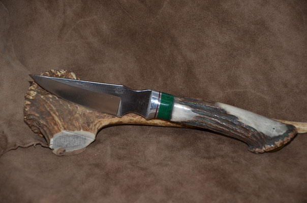 "#75 Nolen Caper.  Blade length 4""  Overall 9""  440c steel.  Handle Deer horn crown with amber butter in crown.  Malachite with aluminum guard. Maker RD Nolen  $225"