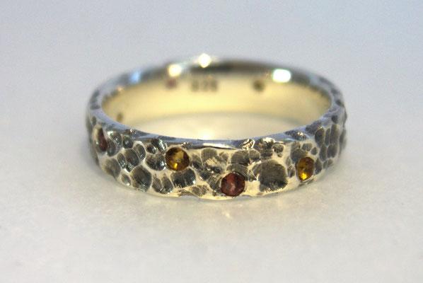 Ring; 925/_ Silber, Steine: Citrine und Granat