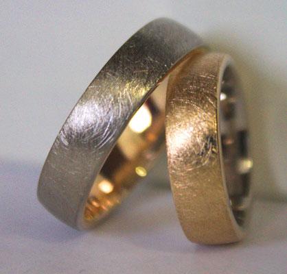 Trauringe; 585/_ Rosegold und 585/_ Weißgold