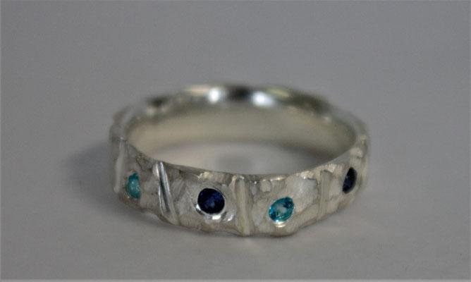 RIng; 925/_ Silber, Steine: Topas und Saphir
