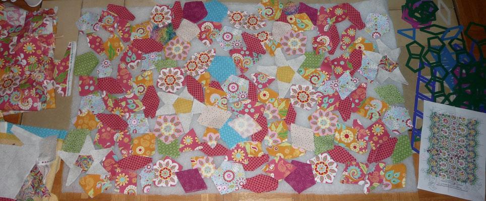 Penrowsquilt, der Stoffzuschnitt für den ganzen Quilt, ist viel fussy cutting dabei.