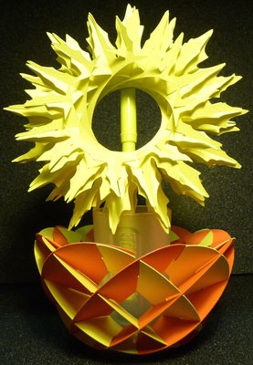 Ich wollte, dass es wie eine Blumenvase aussieht, aber es hält nicht so gut.