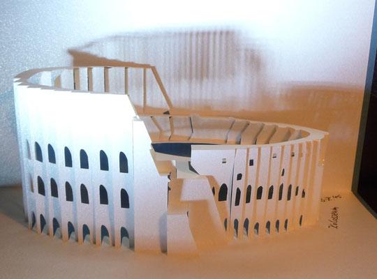 Kirigami Kolosseum