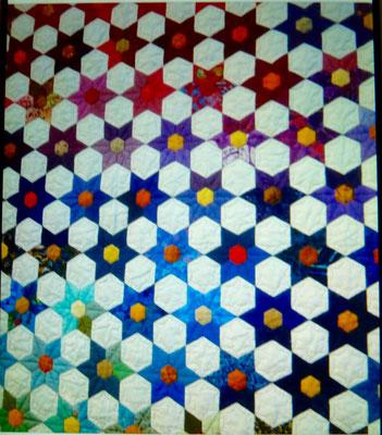 Am Nähnachmittag hat mir Barbara Sch. die Juwel Blüte gezeigt, sie hat sich in das Muster verliebt.