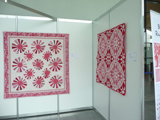 Die rot weißen Quilt.