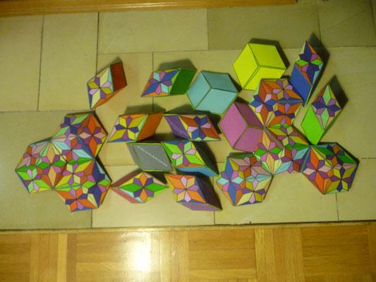 Das Rhombentriakontaeder Puzzle ist fertig genäht.