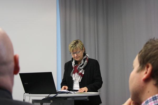 Die Kultusministerin Niedersachsens, Frau Frauke Heiligenstadt