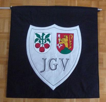 Die Fahne ist auch fertig, ca. 105 cm x 108 cm.