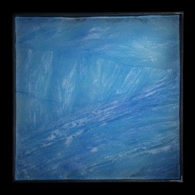 Tausend Winterstürme, formgeschmolzenes Glas, Metallrahmen, 45 x 45 x 6 cm