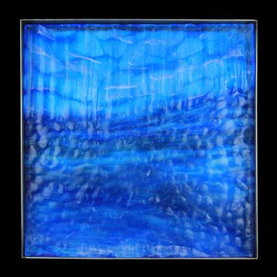 Eishöhle III, formgeschmolzenes Glas, Metallrahmen, 45 x 45 x 4 cm