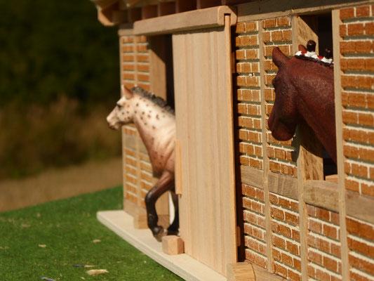 Schleich Pferde kommen heraus