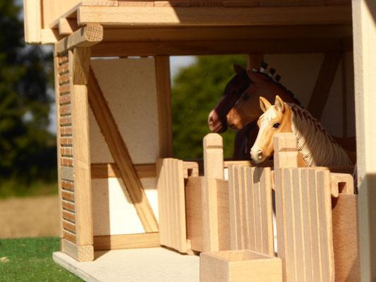 Schleich Pferde in der Box