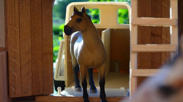 Passend zu Schleich, Bullyland, Papo und viele Weitere- Pferdestall für Schleich