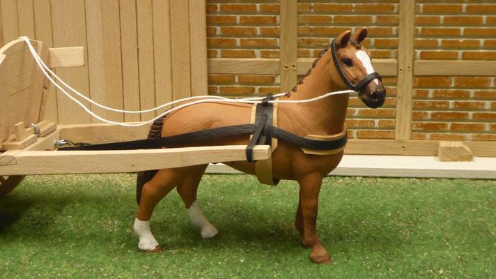 Kutschen und Geschirre passend für z.B. Schleich Pferde