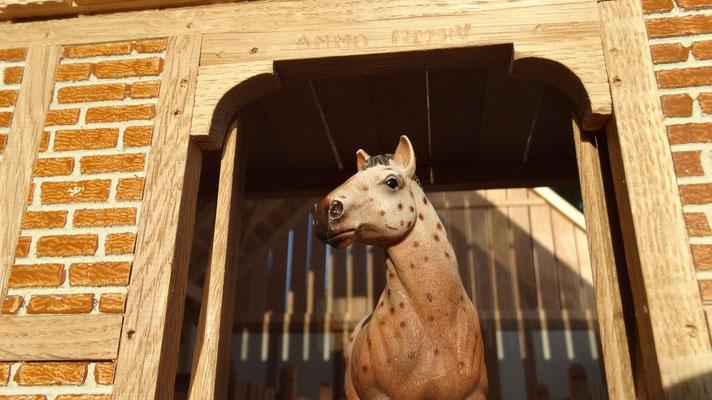 Das Hauptportal des Pferdestalls- Pferdestall für Schleich