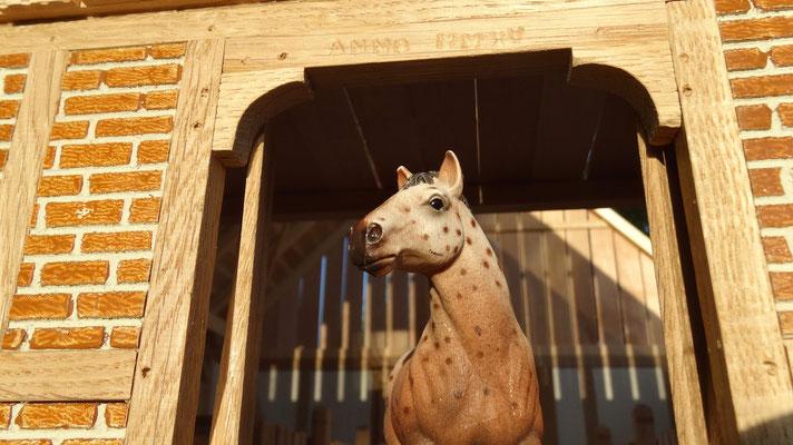 Selbstgebauter Pferdestall