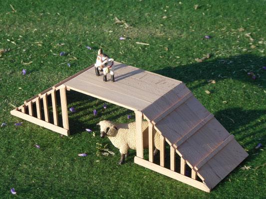 Holzstall für Schleich Ziegen