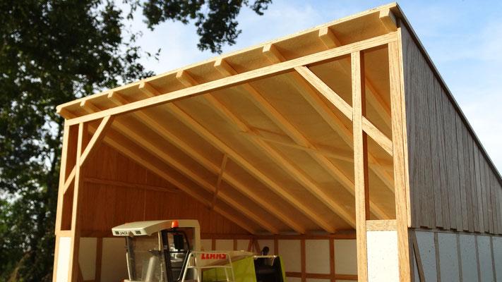 Dachkonstruktion der Maschinenhalle- Im Maßstab von Bruder und Schleich