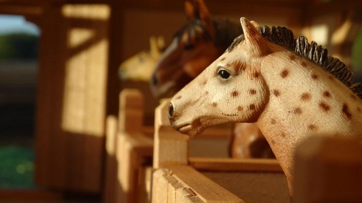 Einzigartige Spielmomente- Pferdestall für Schleich