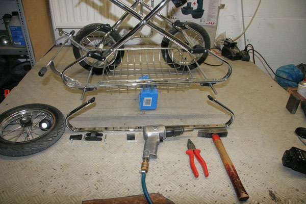 Federbügel eines Hesba Kinderwagens sollen ersetzt werden