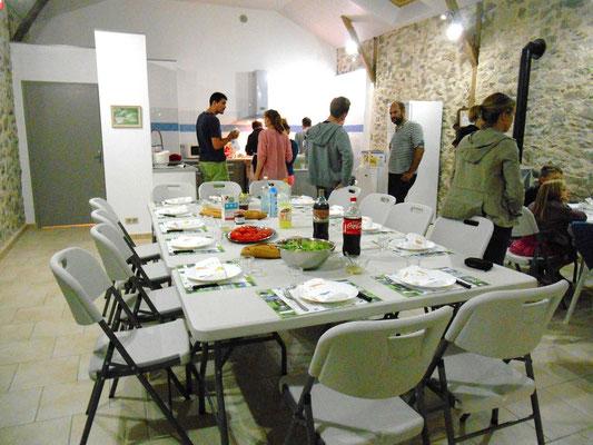 réunion d'amis-famille-fêter un évènement-quercy-périgord