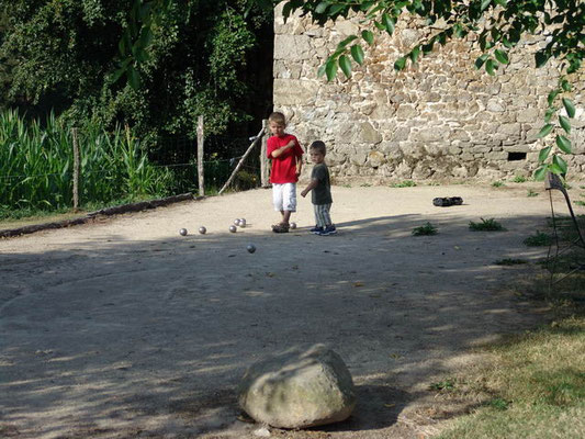 Terrain de pétanque-location-Lot-dordogne