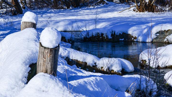 Winterstimmung am Bach
