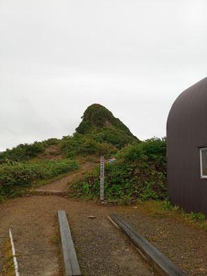 千本桧小屋と八つ峰