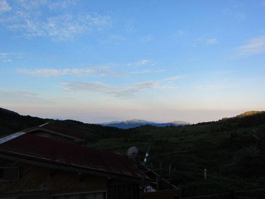 8日早朝 山荘前