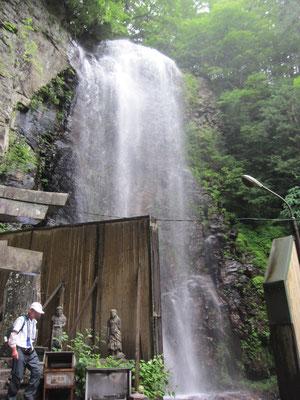 清滝 雨で水量も多めでした
