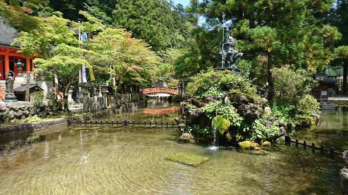 洞川龍泉寺の水行場
