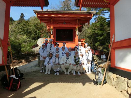御山神社にて
