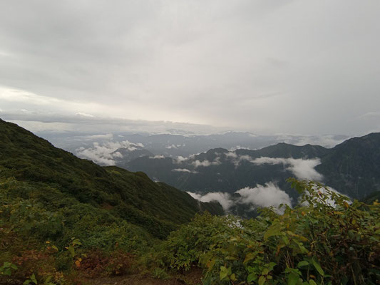 雨が上がって雲海が広がりました