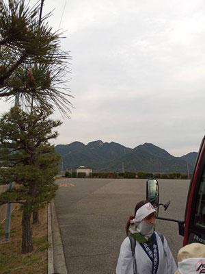 駐車場より宮島を望む
